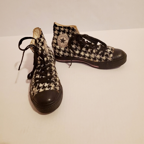 Converse Other - Converse black & white harlequin print shoes